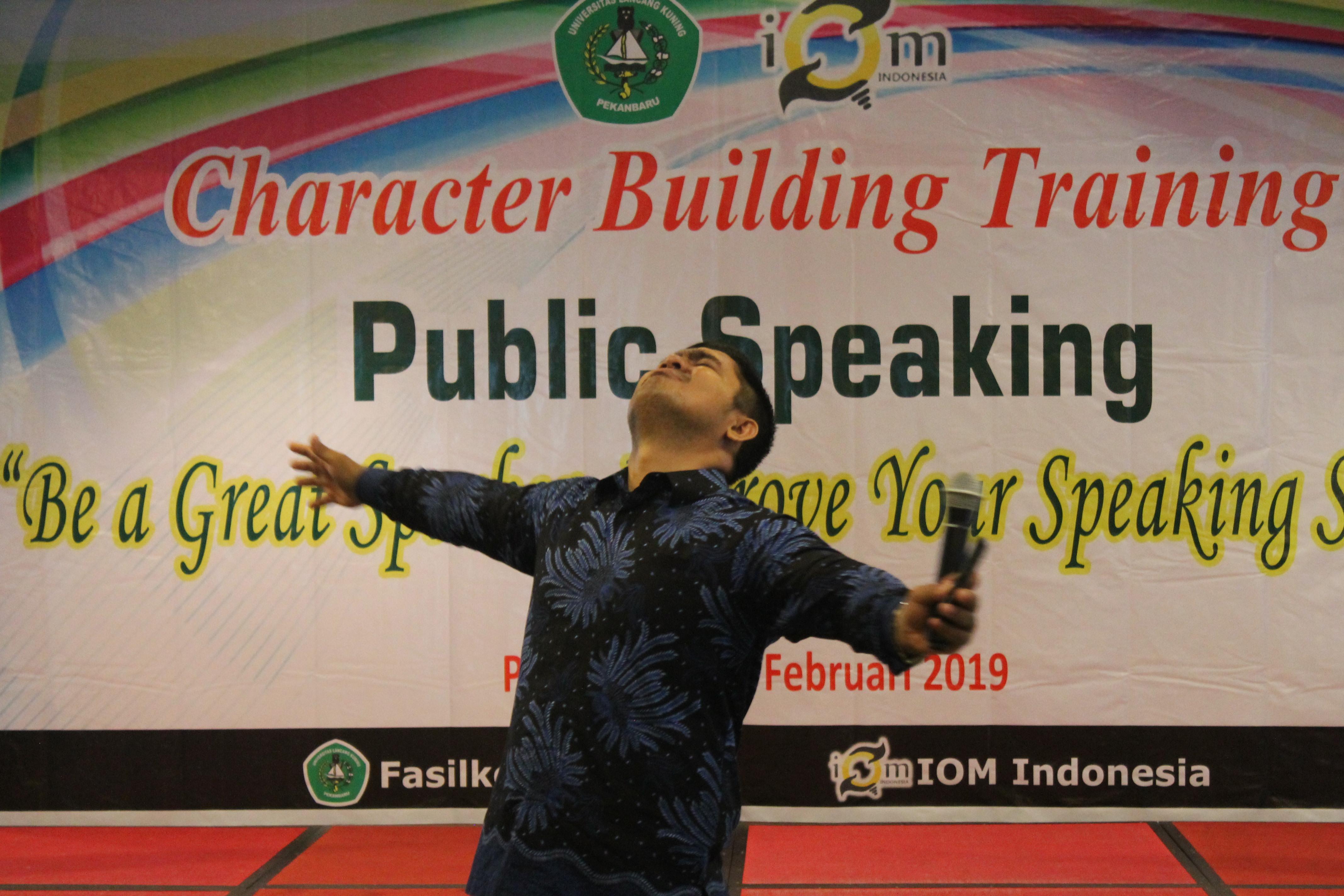 Training Public SPeaking Terbaik Indonesia, Public Speaking Pekanbaru, Public Speaking Riau, Public Speaking Padang, Public Speaking MEdan, Public Speaking Jambi, Public Speaking Bengkulu, Public Speaking Aceh, Public Speaking Palembang,Public Speaking lampung